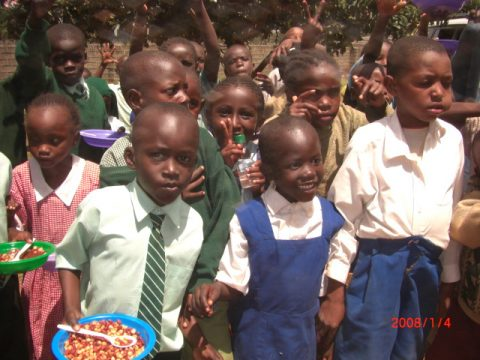 Children_With_Food